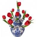 Flat Flowers Delfts blauwe vaas met rode tulpen