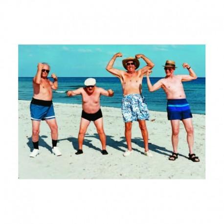 Fotokaart Men Flexing on Beach